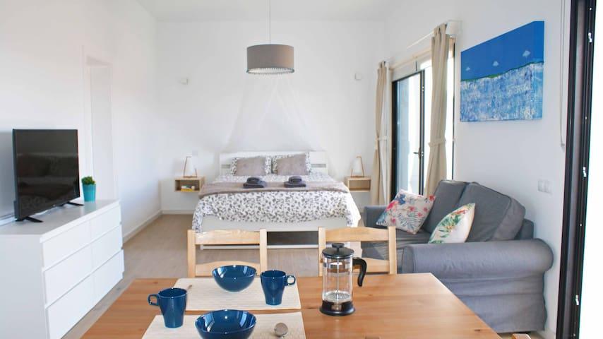 Cosy South Studio/private terrace