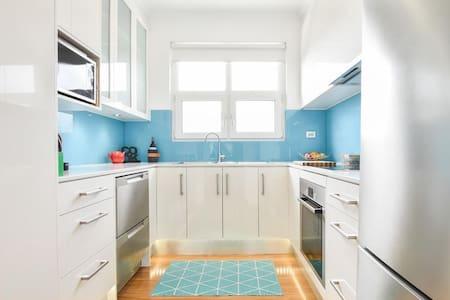 Perfect Beach Apartment - Glenelg South - Byt