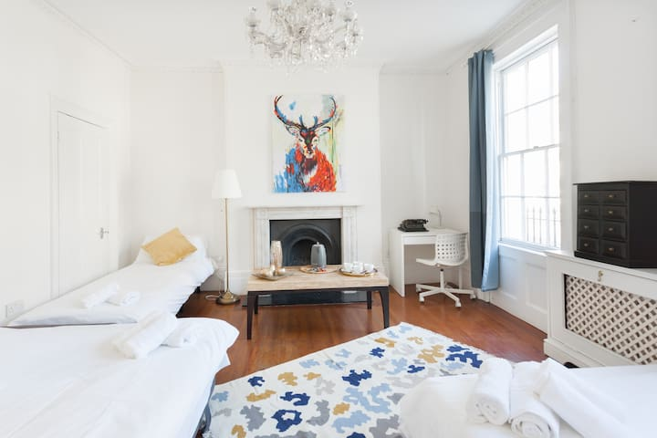 Bright and Airy Room - Doorsteps of Regent's Park