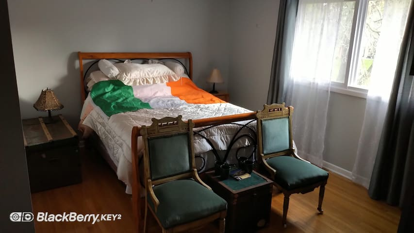 The Ireland Room - one double bed