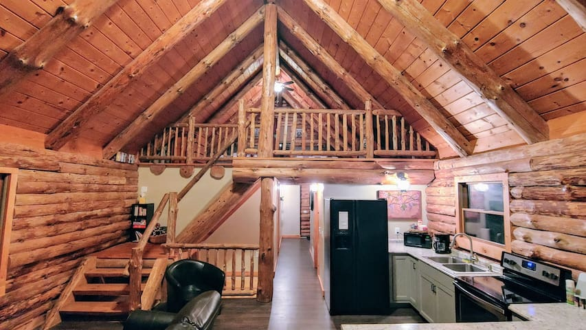 The Cozy Cabin located 9 miles from Ellicottville