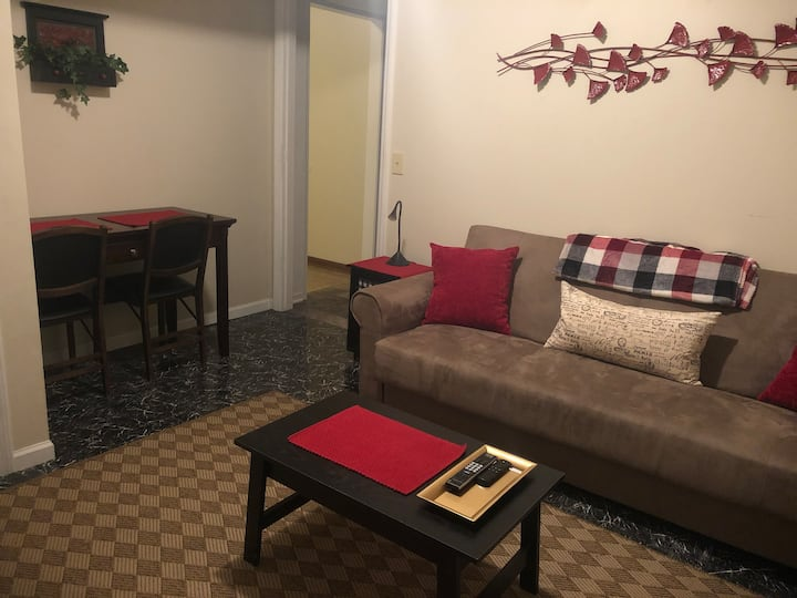 Cozy private apartment minutes from Sierra Nevada