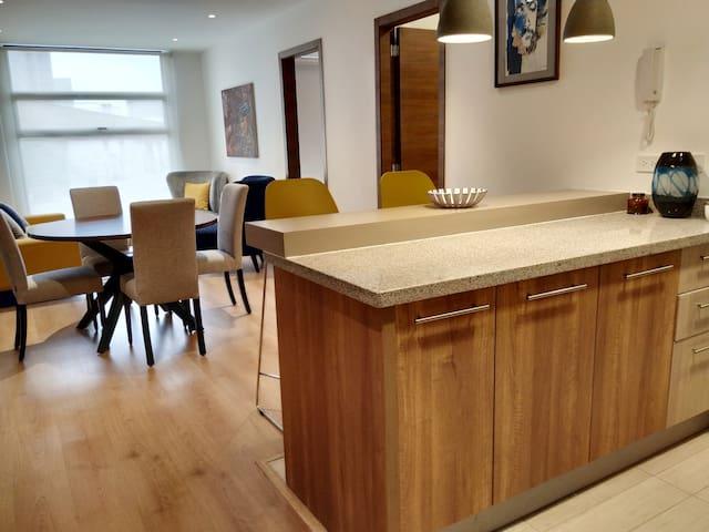 Lujoso y único Airbnb Plus en Quito con piscina
