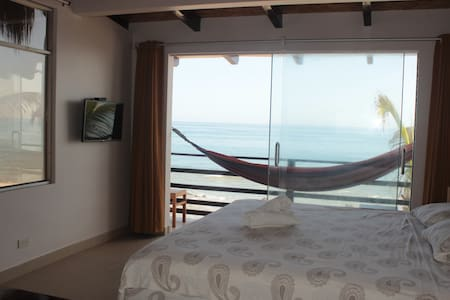 Incredible Ocean View with King bed and Aircon - Máncora - Bed & Breakfast