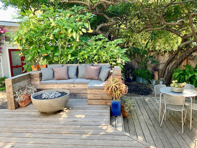 Boutique Garden Apartment-Temescal