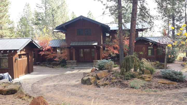 Wooded retreat on the Deschutes River.