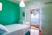 Double bedroom with private access to the external panoramic area