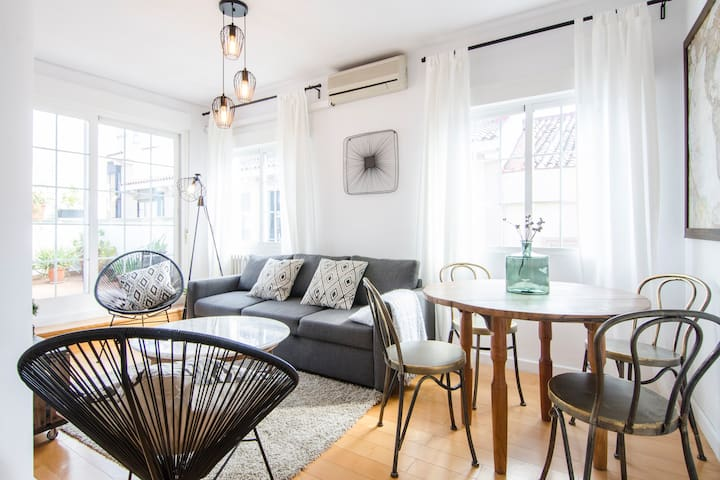 COZY 2BD WITH TERRACE - CITY CENTER