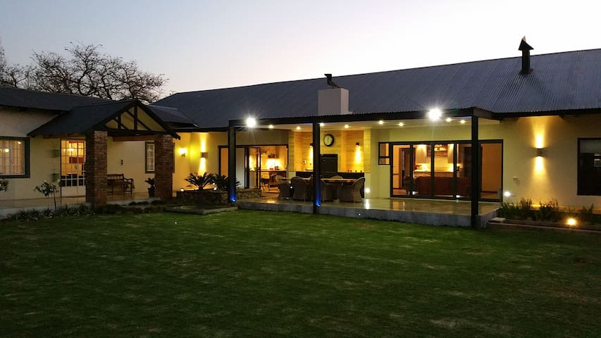Mockford cottage, 2 double bed ensuite rooms. - Polokwane - Apartamento