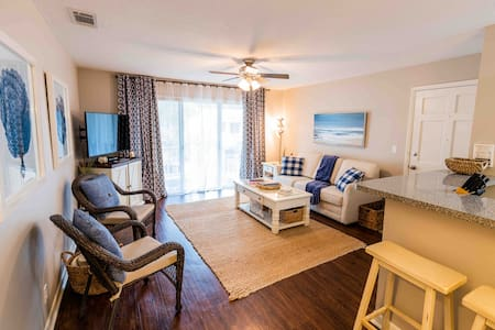 Coastal Condo-Your Beach Therapy is waiting :)