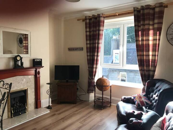 CITY CENTRE FLAT - CLOSE TO HOSPITAL INCLUDES WIFI