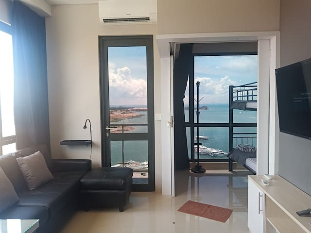 Seaview OneResidences Apt 5pax next to F Terminal