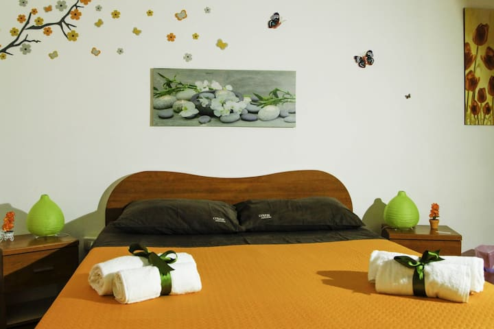 B & B in Palermo center Low Cost 3