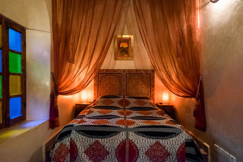 suite rose baignoire jacuzzi petit dejeuner wifi bed and breakfasts for rent in sal rabat. Black Bedroom Furniture Sets. Home Design Ideas