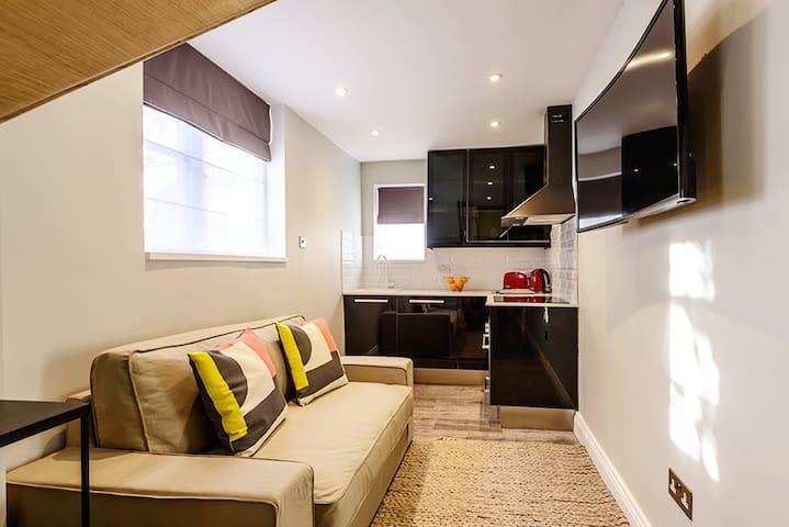 New Cosy loft duplex 5 min to tube West Hampstead