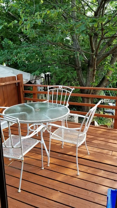 Private Large backyard with large deck