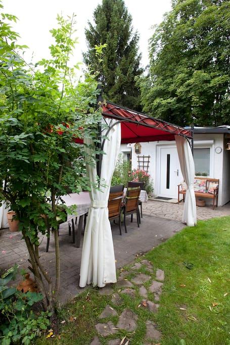 Wunderschöner Garten zum entspnannen/Beautiful garden to relax.