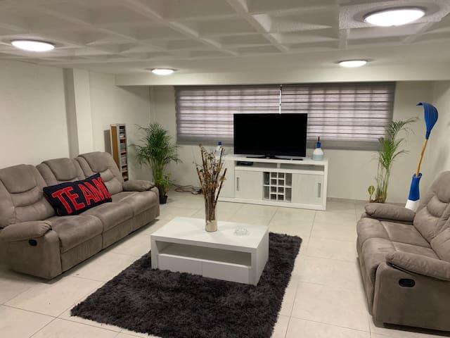 Habitación Privada confortable a 5 min Aeropuerto