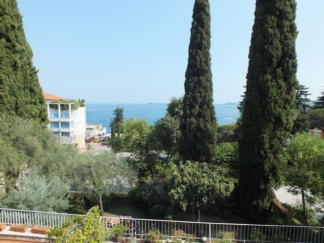 Valle Fiorita Appartment