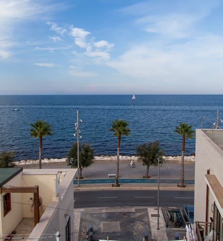 Sea view with rooftop terrace - Mola di Bari - House