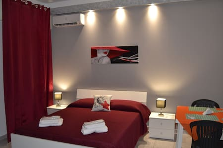 B&B GVS - GRAY ROOM - Trapani - Bed & Breakfast