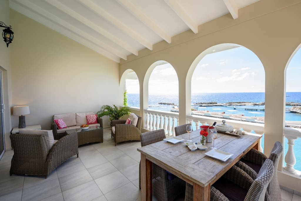 Luxury Seafront Apartment Sunrise View