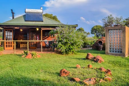 Cabbage Tree Cottage at Stone Hill - Magaliesburg - Chalet