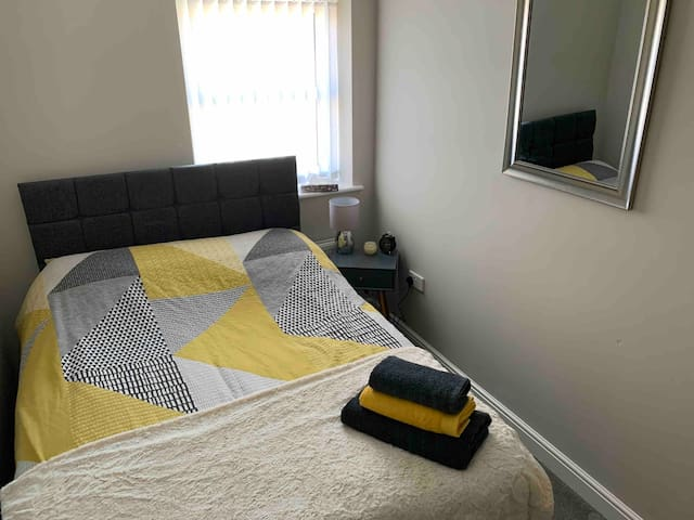 Double room close to metro station and Tyne tunnel