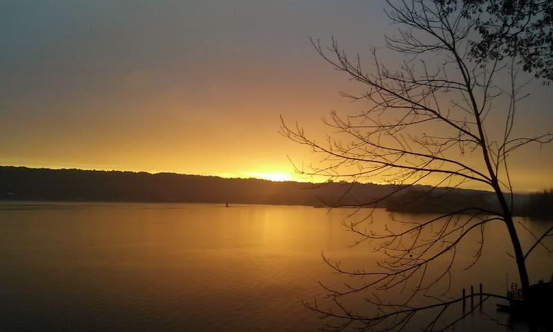 Lakefront getaway  on Cayuga lake