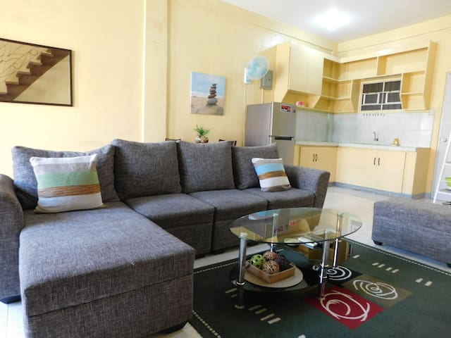 BEST VALUE 5 [Huge Living & Kitchen] Angeles Apart - Angeles - Apartament