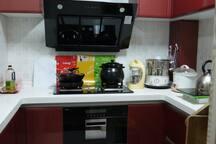 厨房工具齐全