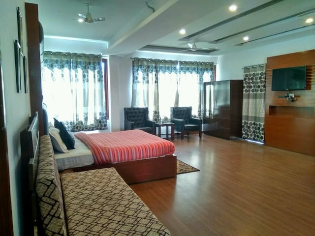 Suite Room With Majestic View & Breakfast - Solan - Hotel boutique