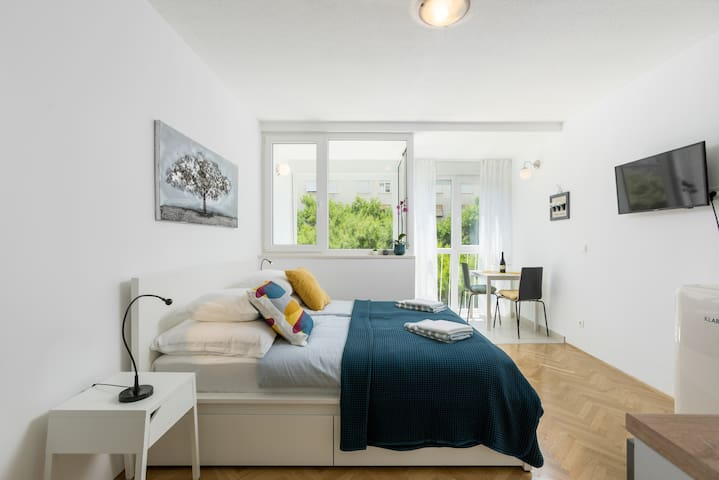 NEW!  Studio apartment TINA in the center of Split