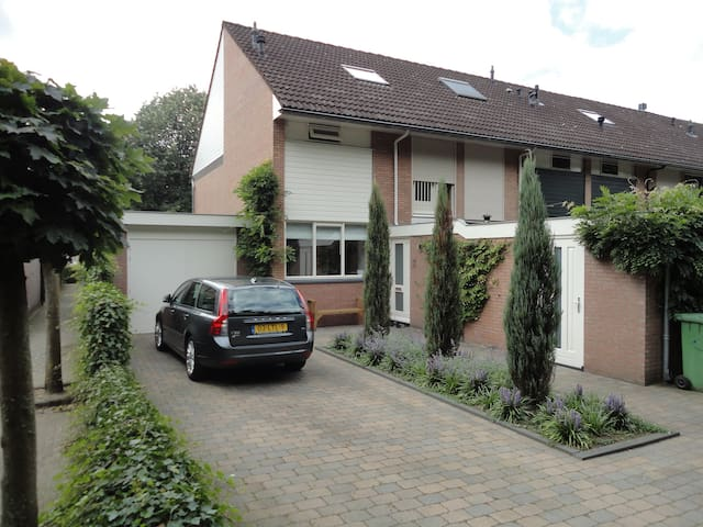 Room in house at edge of wood - Rhenen - House