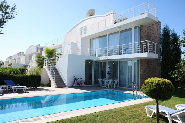 A three bedroom spacious villa