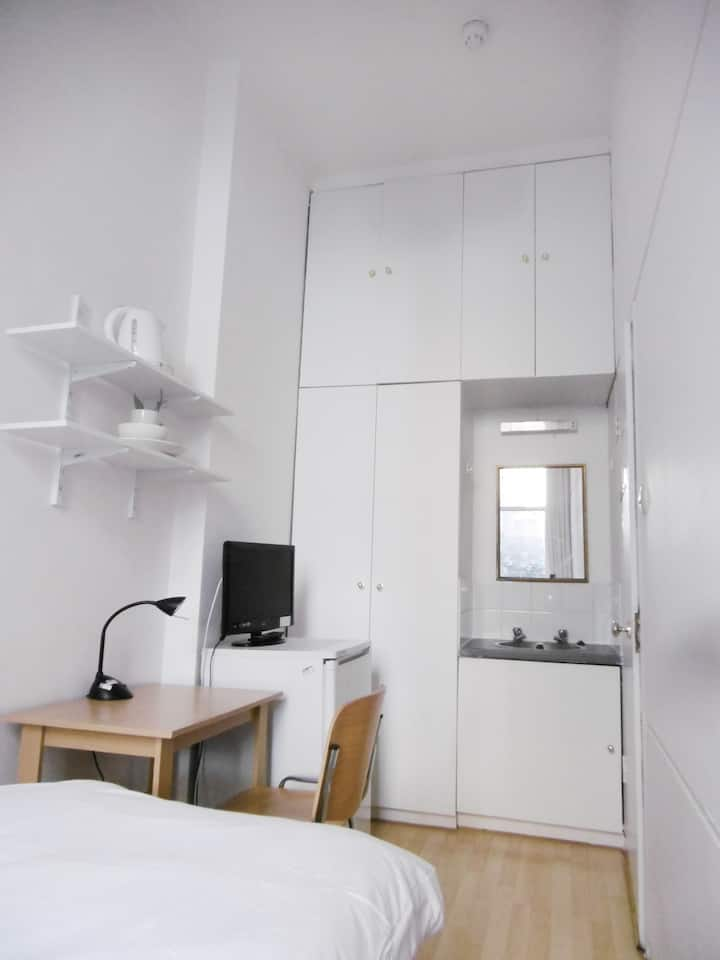 West Kensington 4 Cozy single room