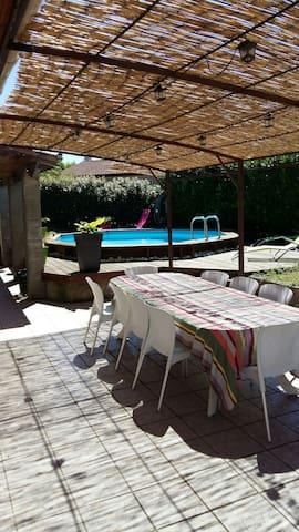 Grande villa de plein pied - Montberon - Casa