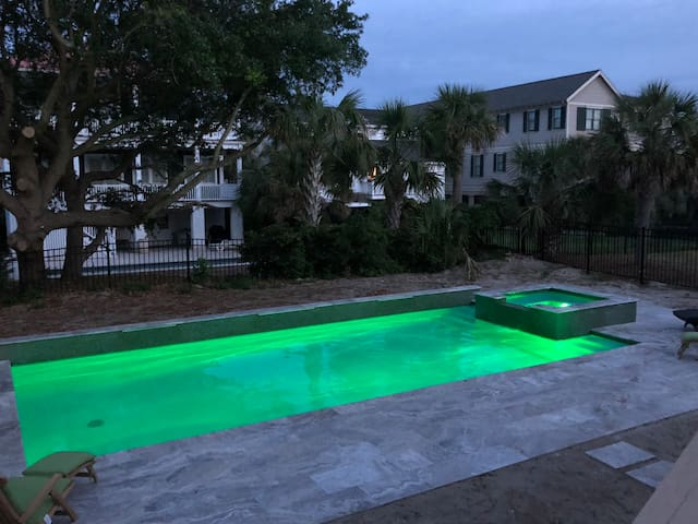 Summer Hayes on IOP with extra special Pool