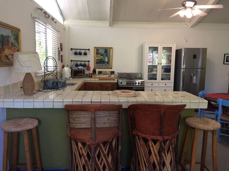 Bright spacious kitchen with full-size appliances & island seating