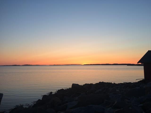Modern, ljus villa nära havet och staden - Kullavik - Hus