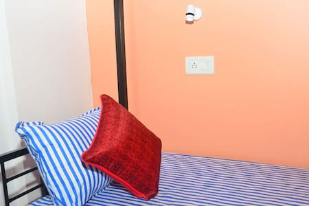 Budget accommodation for single, family & group.