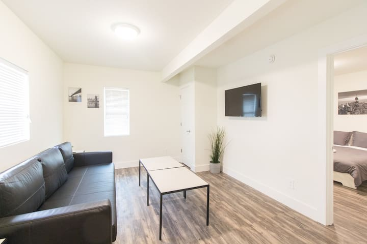 Unit E - Two bed apartment in Bishop Arts District