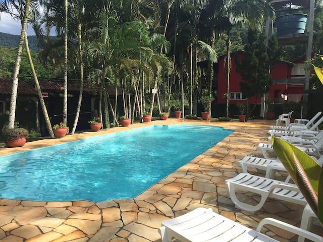 Casa em condomínio Maresias - São Sebastião  - Apto. en complejo residencial