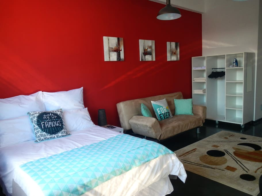 Super Maboneng Studio - Apartments for Rent in
