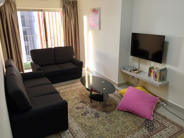 [3R2B] 7 pax Apartment with Royal Mosque view