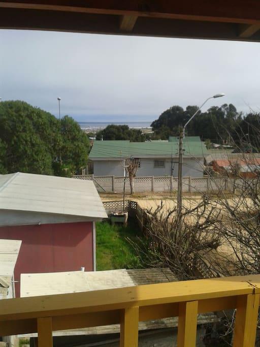 Vista desde la terraza al mar.