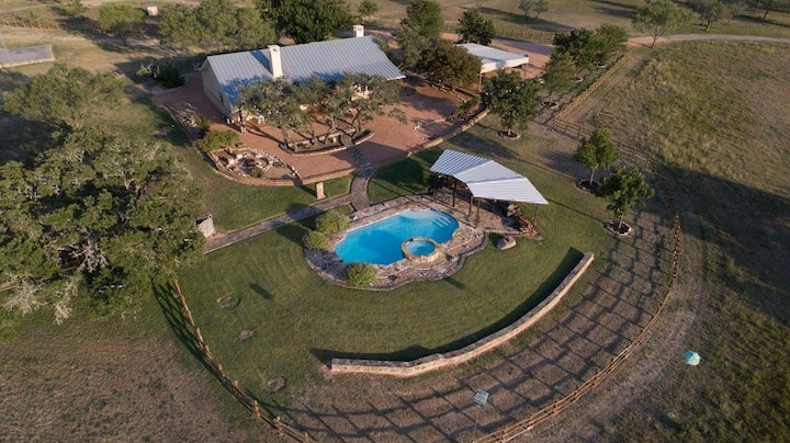 Stunning Hill Country - Prairie Rose Ranch - Pool