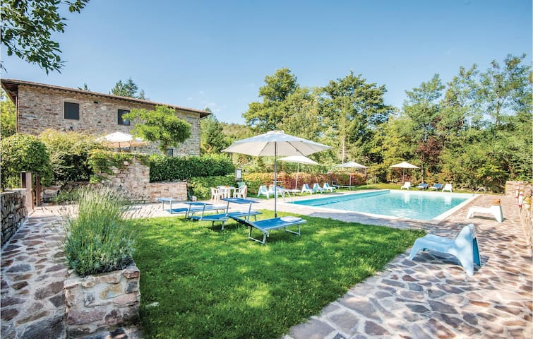 Holiday apartment with 1 bedroom on 38 m² in Greve In Chianti FI