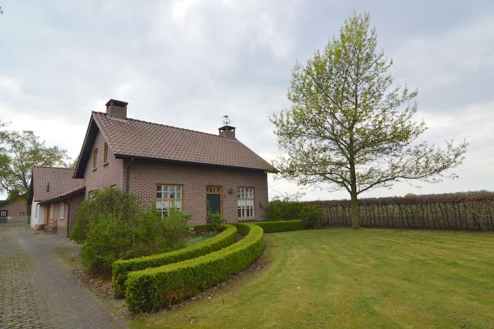 Detached Brabant farmhouse with sauna near de Peel nature reserve