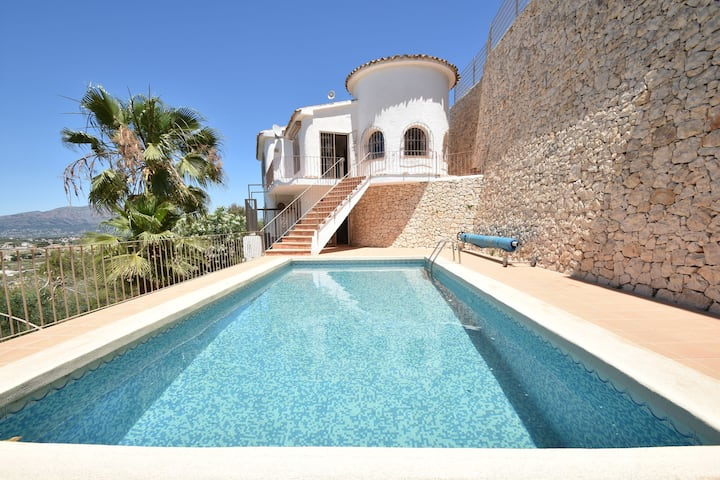 Luxury Villa with Private Swimming Pool in Benitachell